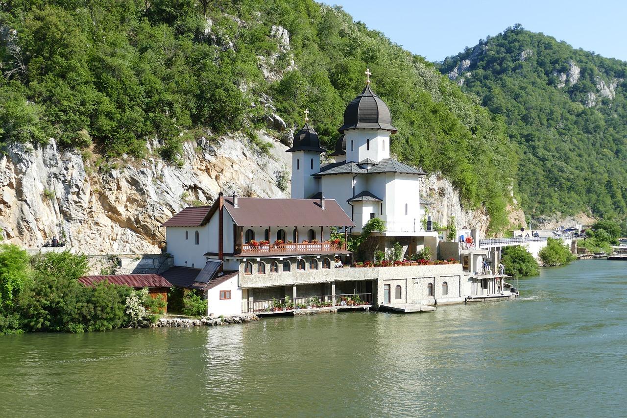 backpacking serbien